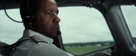 Whip Whitaker (Denzel Washington) safely lands a jet after a catastrophic failure in Flight.