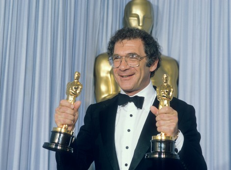 Sydney Pollack backstage at the 1985 (58th) Academy Awards ceremony.
